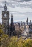 Башня с часами Balmoral и принцы Улица в Эдинбурге Стоковая Фотография RF