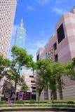 Башня Тайбэя 101 в джунглях бетона армированного Стоковая Фотография RF