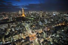 Башня токио на ноче стоковые фотографии rf