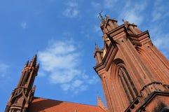 Башня церков в Вильнюсе, в Европе стоковые изображения