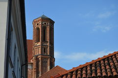 Башня церков в Вильнюсе, в Европе стоковое изображение rf