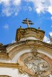 Башня церков, распятие и фасад Стоковое Фото