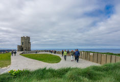 Башня Briens ` o на скалах Moher, Ирландии Стоковые Фото