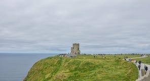 Башня Briens ` o на скалах Moher Стоковые Фотографии RF