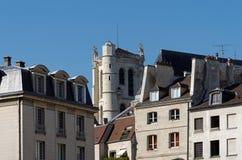 Башня Clovis и Свят-Etienne-du-Mont церковь стоковая фотография rf
