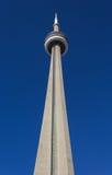 Башня CN от земли Стоковые Фотографии RF