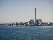 Башня ENEL Torrevaldaliga Nord угл-увольнянный план силы стоковые фото