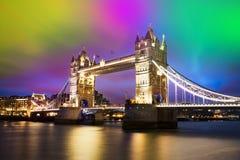 башня london города моста город освещает место ночи Стоковая Фотография