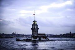 Башня Maiden's в Ä°stanbul, Турции стоковые фотографии rf