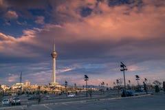 Башня Milad также известная как башня Тегерана универсальная башня в Тегеране, Иране стоковое фото