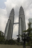 Башня Petronas в Куалае-Лумпур Стоковое Изображение