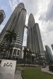Башня Petronas в Куалае-Лумпур Стоковые Фотографии RF