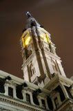 башня philadelphia ночи залы часов города Стоковые Изображения