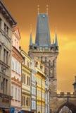 Башня Prasna Brana в Праге стоковые фотографии rf