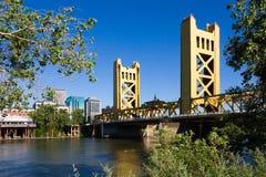 башня sacramento моста Стоковое Фото