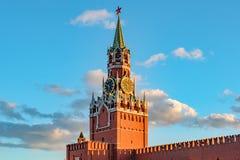 Башня Spasskaya Москвы Кремля на красной площади стоковое изображение rf