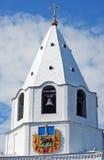 Башня Spasskaya с муниципальным гербом Сызрань Кремль на улице майны Lodochny Сызрань Зона самары Стоковые Изображения RF