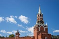 Башня Spasskaya с часами в Москве Кремле, России Стоковое фото RF