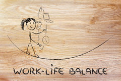 Баланс жизни работы & управляя ответственности: ju работающей матери стоковое фото