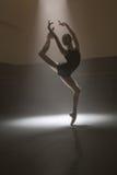 Балерина в черном трико Стоковое Изображение