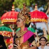 Балийская женщина в традиционном костюме Стоковые Изображения