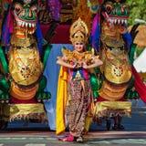 Балийская женщина в традиционном костюме Стоковое Фото