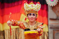 Балийские женщины танцора в традиционном костюме Стоковые Изображения RF