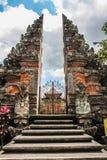 Балийский индусский висок - лестницы, строб и висок - Ubud, Бали, Индонезия стоковое фото rf