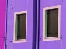 Балконы красочного дома на острове Burano около Venic Стоковая Фотография RF