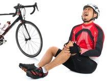 бегунка боли колена ушиба спорты мыжского идущие Стоковые Изображения