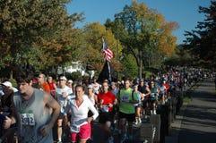 бегунки марафона гражданина стоковое изображение