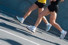бегунки марафона стоковое изображение