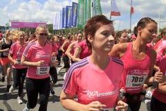 бегунки свободного от игры дня близкие проходя Стоковая Фотография RF