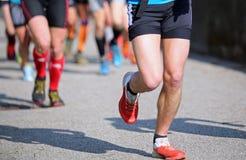 Бегуны бегут быстро во время вездеходной гонки Стоковые Изображения RF