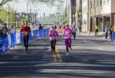 Бегуны - голубое †«Roanoke марафона Риджа, Вирджиния, США Стоковая Фотография RF