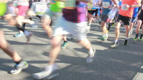 Бегуны на внешнем марафоне видеоматериал