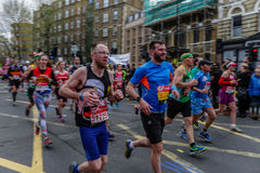 Бегуны на марафоне Лондона Стоковая Фотография RF