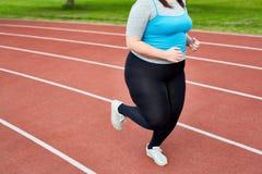 бегун женщины Плюс-размера Стоковые Изображения RF