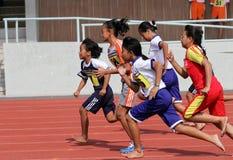 бег в 100 метров Стоковая Фотография RF
