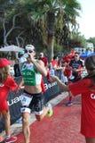 Бег тренировки спорта triathlete триатлона здоровый стоковая фотография