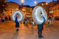 Бедлам Oz комедийных актеров на фестивале Buskers в Лугано, Швейцарии стоковая фотография