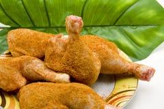 бедренные кости цыплят сырцовые приправленные Стоковые Фотографии RF