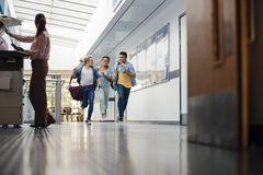 Бежать вниз с зал Стоковая Фотография
