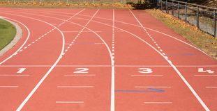 бежать линии атлетических стадион Спорт стоковые фотографии rf