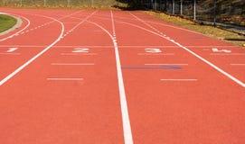 бежать линии стадион атлетических Спорт стоковые изображения rf