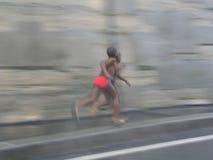 бежать мальчиков Стоковая Фотография