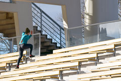Бежать на лестницах Стоковое Фото
