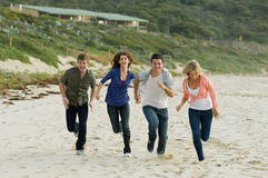 Бежать на пляже Стоковые Изображения RF