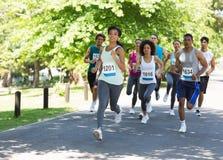 Бежать спортсменов марафона стоковые фото