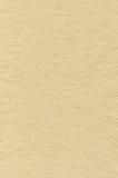 Бежевая текстура бумаги искусства риса картона, вертикальная яркая грубая старая рециркулированная текстурированная пустая пустая Стоковое Изображение RF